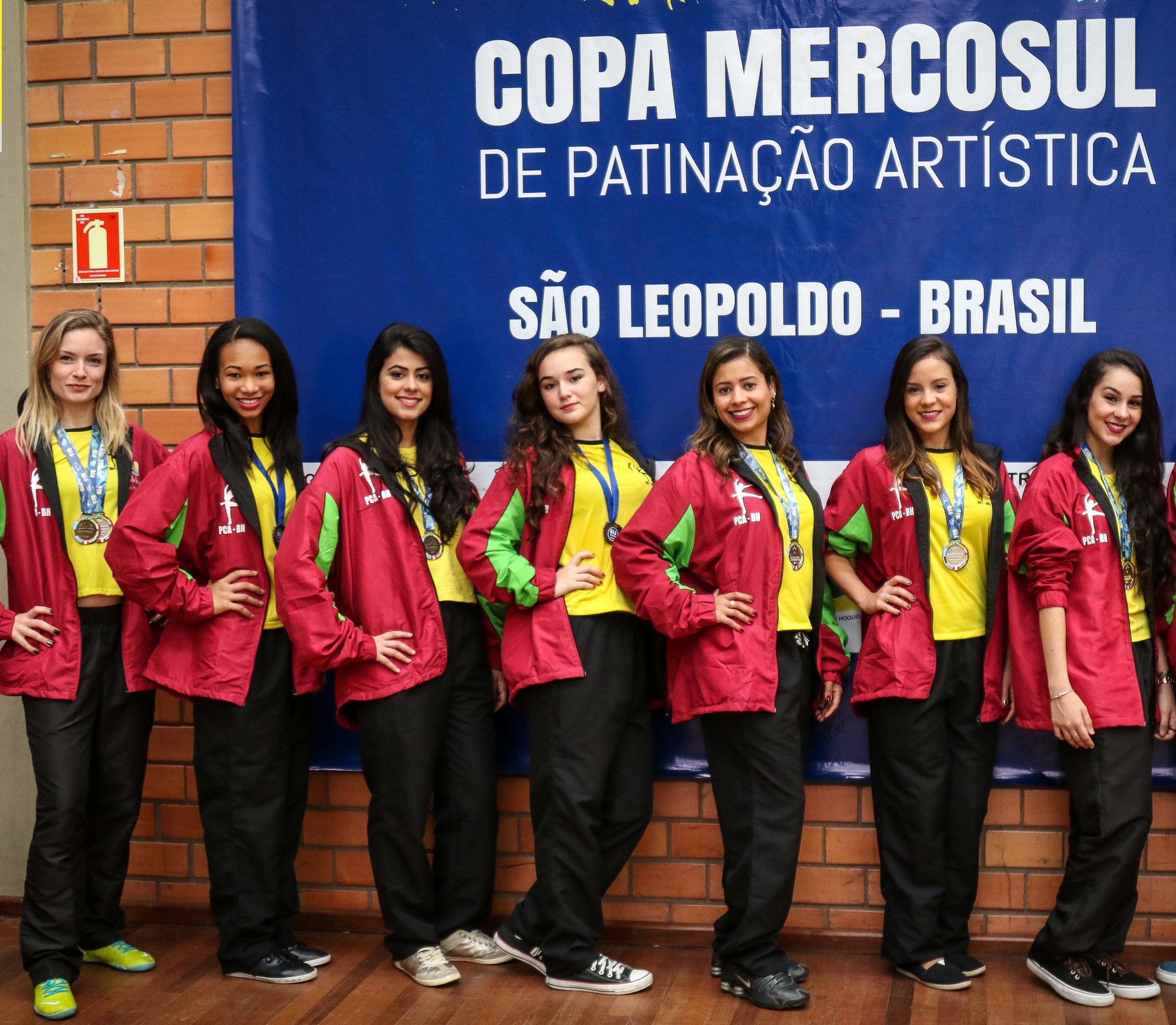 Luciana, Sara, Anelise, Catharina, Jordana, Camila e Marina