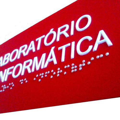 Placa de Sinalização Tátil e Braille